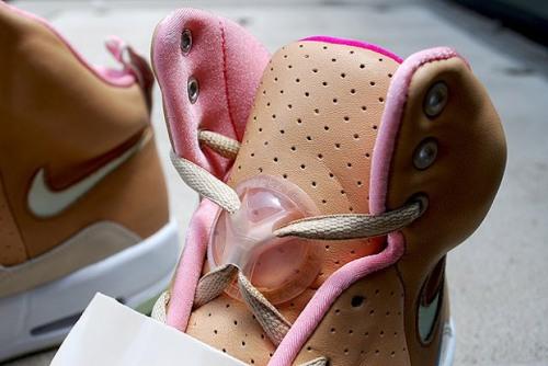 nike-air-yeezy-khaki-pink-4