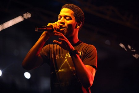 kid-cudi-performs-at-paper-magazine-sounds-like-paper-event-nyc-june-26-2009-450x300